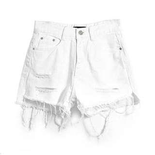 純白高腰刷破短褲