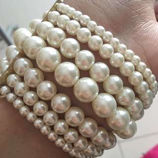 (RESERVED) Pearl Handcuff
