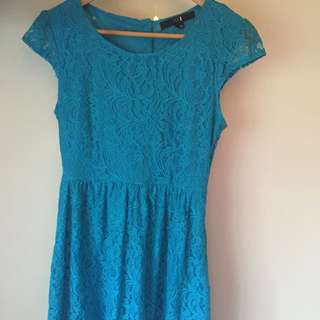 Forever 21 Beautiful Lace Dress