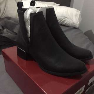 Therapy Boots Size 7 Nirvana