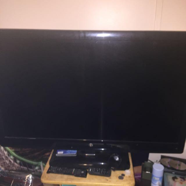 42inch Tv NEED IT GONE