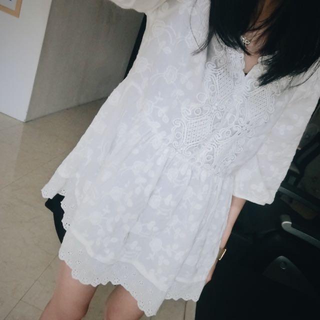度假感白色布蕾絲五分袖上衣