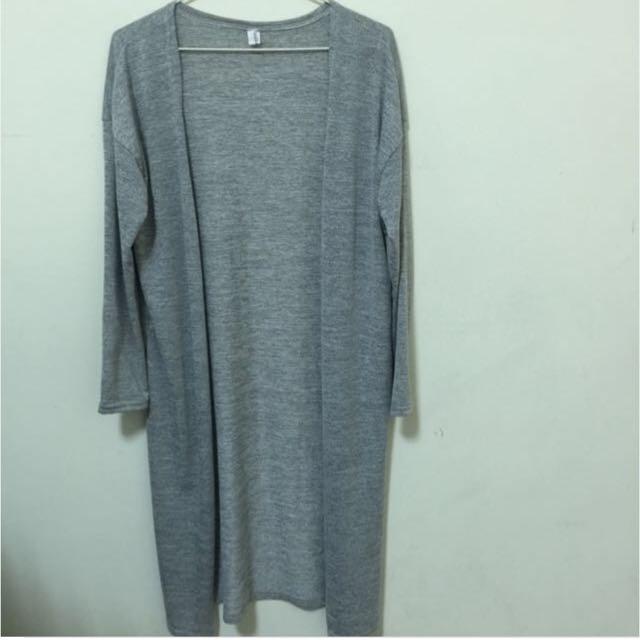 灰色長版薄針織外套