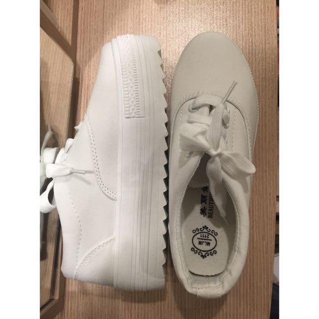 全新 厚底白色百搭帆布鞋
