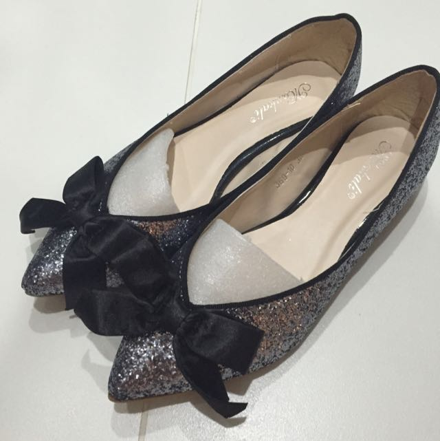 Brand New Glittery Flats With Ribbon
