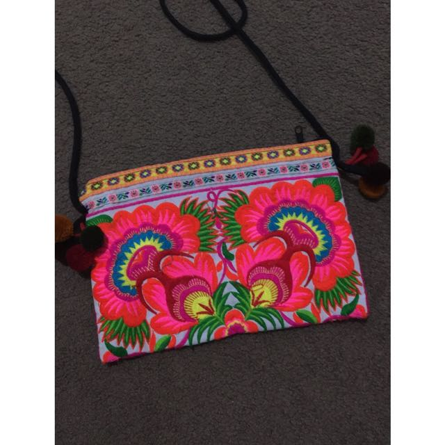 COLOURFUL CLUTCH/BAG