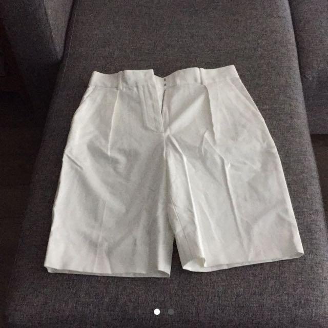 Gap Shorts!!! White!
