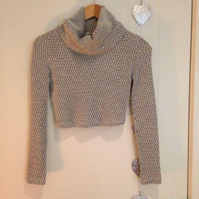 Grey/White Cropped Knit