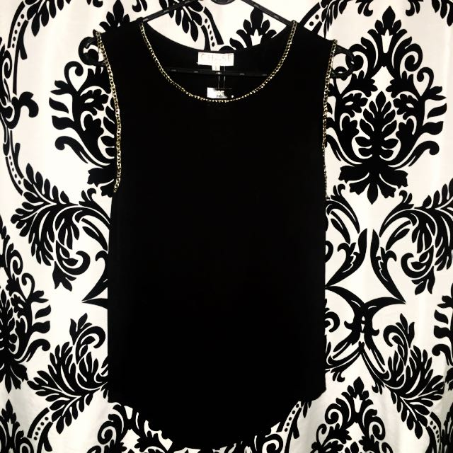 ICE Black Chain Border Top