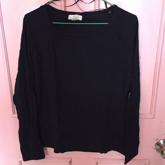 9fb32bef Long Sleeve Plain Black Blouse, Women's Fashion on Carousell
