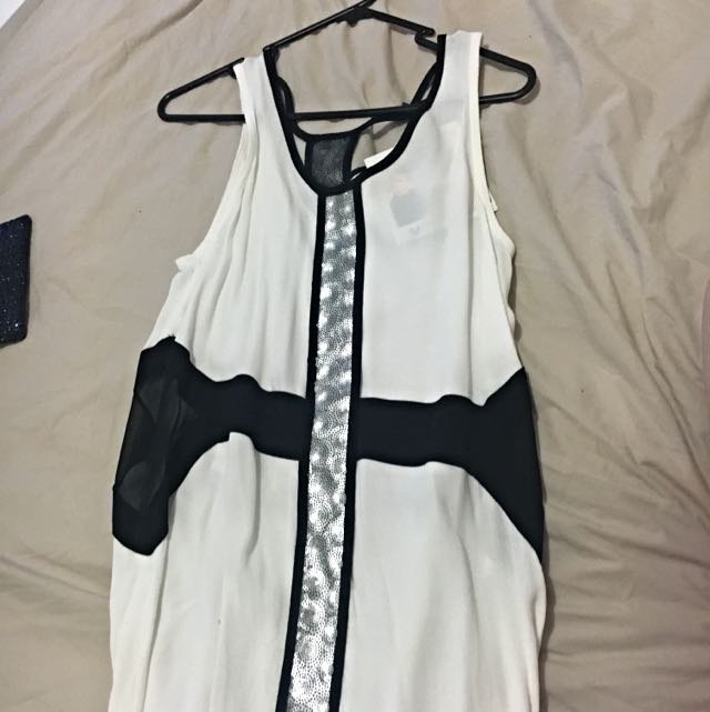 NEW WITH TAGS. Mink Pink Dress Size XS