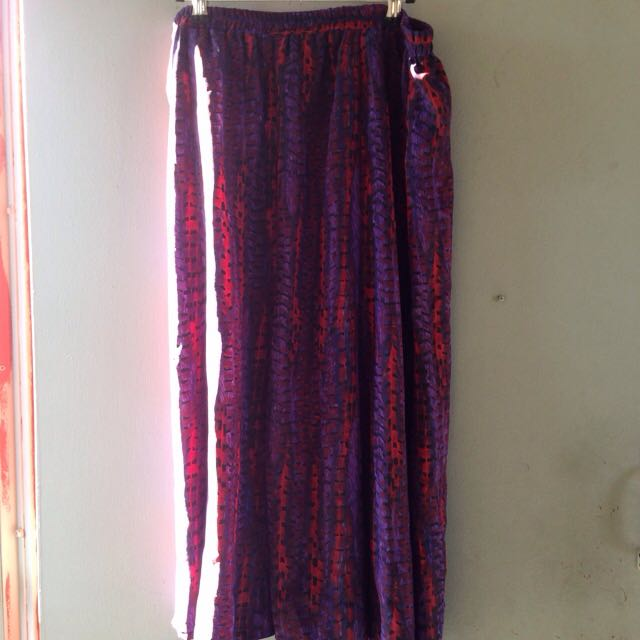 Vintage/Retro Purple and Red Silky Style Skirt
