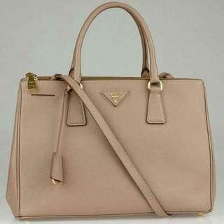 3507783b15b6 PRADA Cammeo Saffiano Lux Double Zip Medium Tote Bag BN2274
