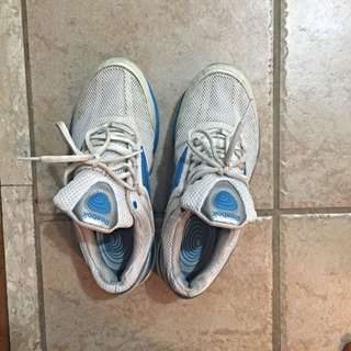 Running Shoes Size 6.5