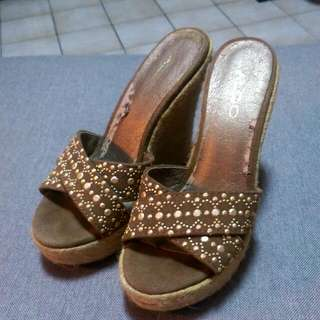 ALDO民俗風楔型跟涼鞋