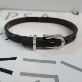 黑色鈦鋼手環