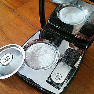 CHANEL Lumière Platine™ Platinum Highlighter
