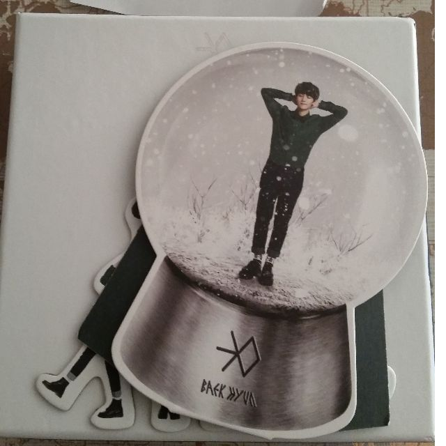 UNSEALED EXO Miracles in December Korean version with Baekhyun photocard