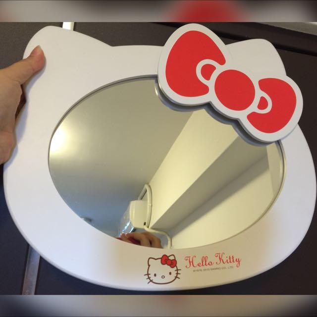 Hello Kitty 木製掛鉤鏡