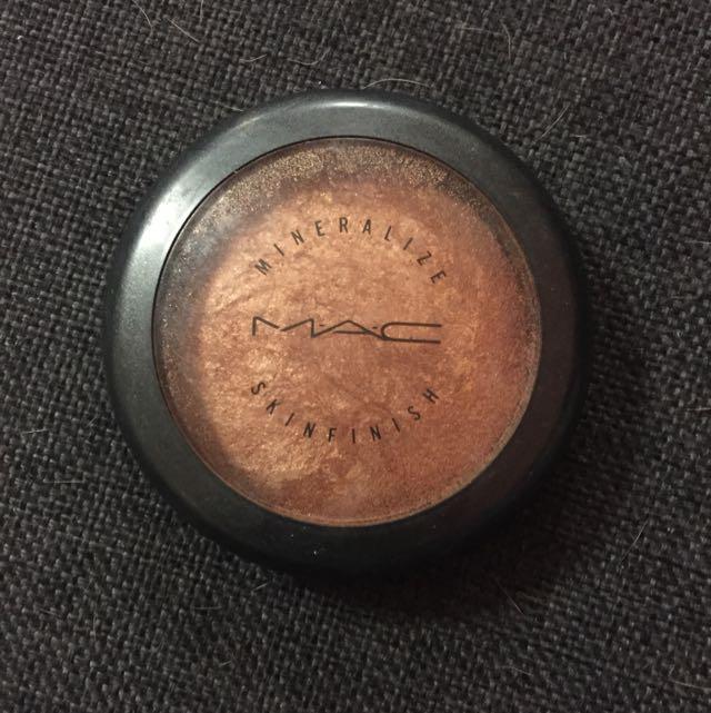 [Pending] MAC Mineralise Skin Finish