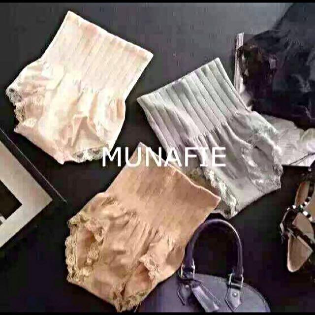 MUNAFIE蕾絲內褲黑色