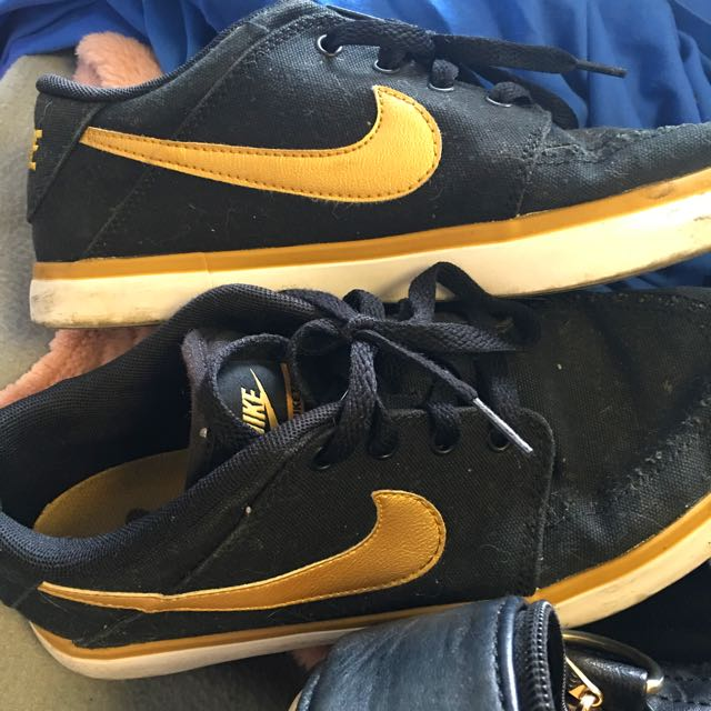 Nike Black And Gold