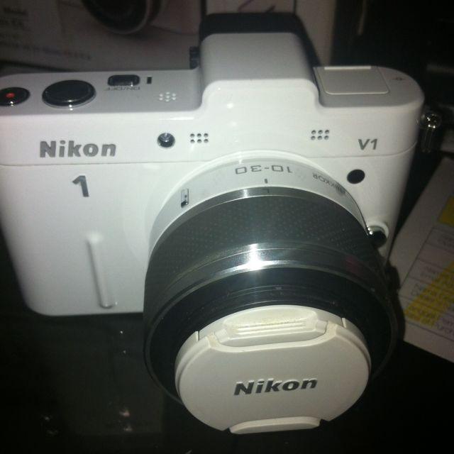 Nikon1 V1 (Mirorless Camera)