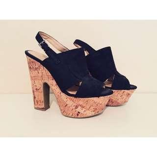 Novo heels! Size 6