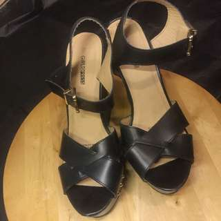 4 pairs of heels for $10 !!!