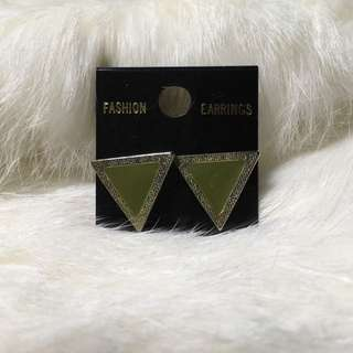 🚚 ⑨⑧復刻版金典耳環(三角墨綠)