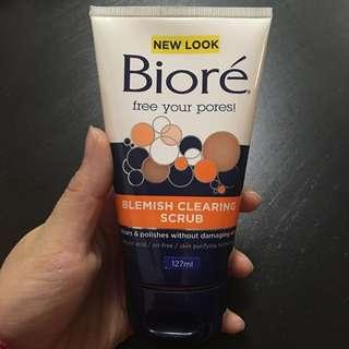 Biore Blemish Clearing Scrub