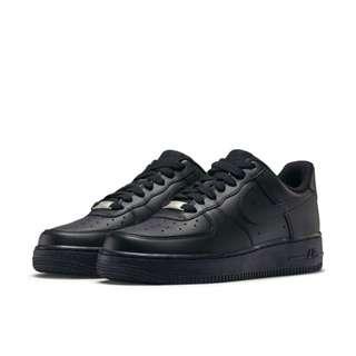 NIKE AIR FORCE 1 '07 女子運動鞋