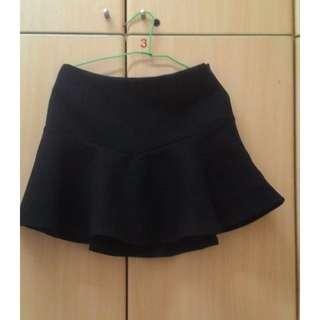 🚚 黑色傘狀短裙 M(有內襯)