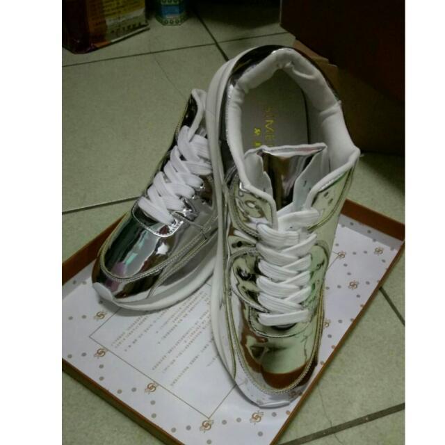 銀色亮面增高鞋