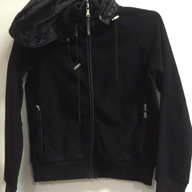 -REDUCED PRICE- Jaket Hitam
