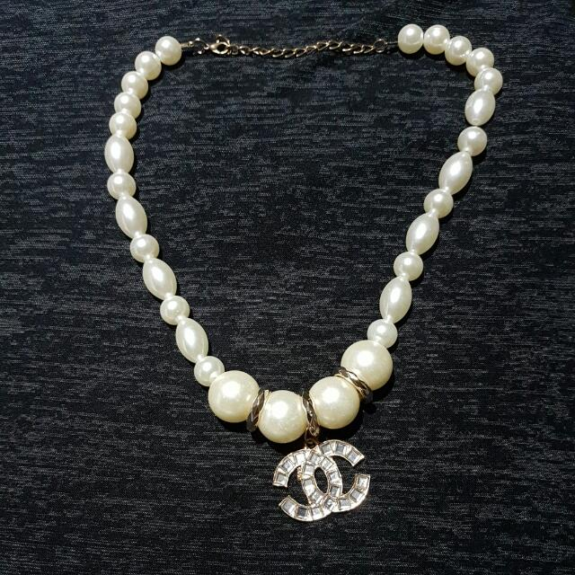 Chanel Logo Pearl Necklace