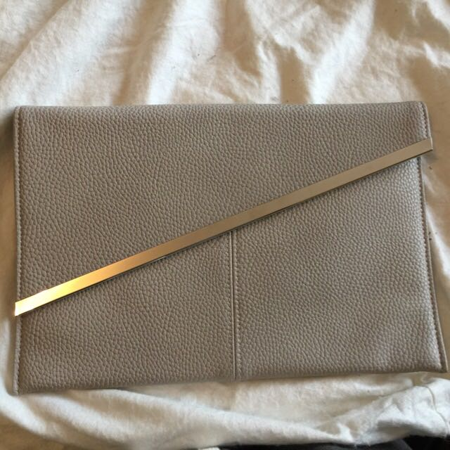 Forever New Clutches