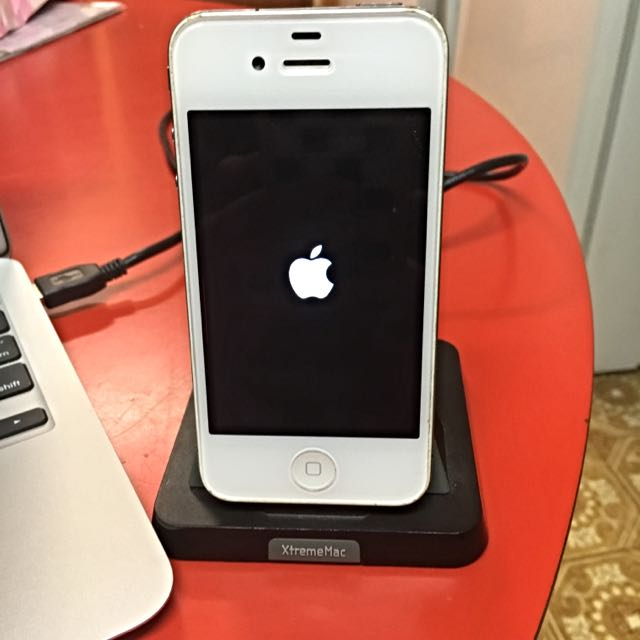 *New Price* iPhone 4