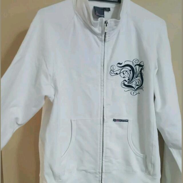 ladies size 12 volcom zip up jacket.