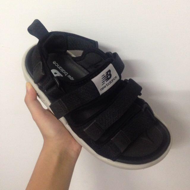New Balance 涼鞋黑👍🏽👍🏽