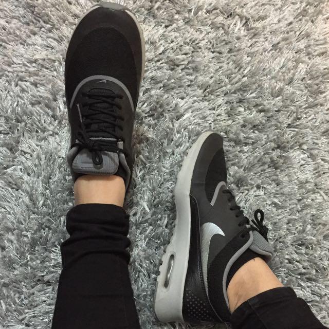 Nike Air Max Thea Size 7