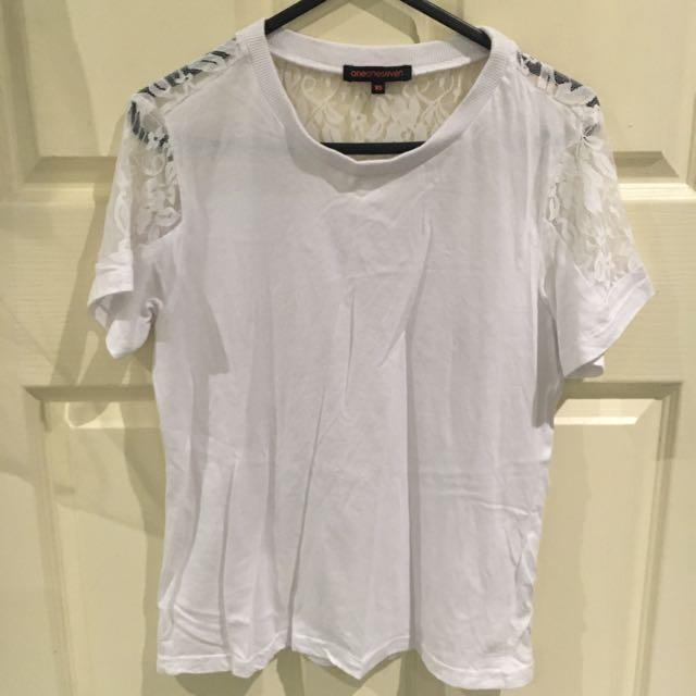 OneOneSeven T-shirt XS