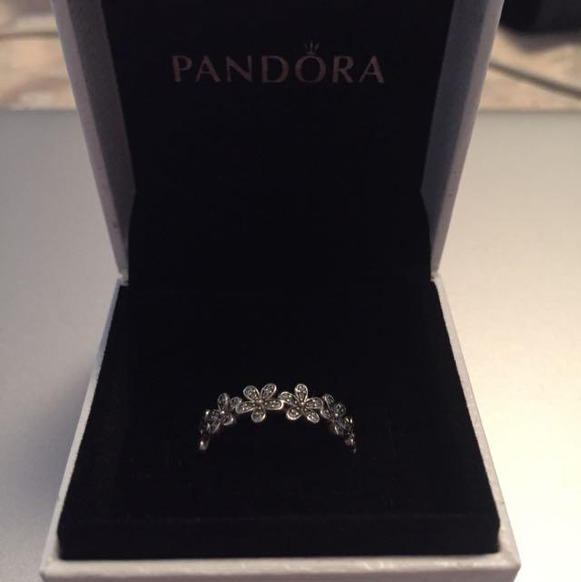 Brand New! Pandora Daisy Ring💍