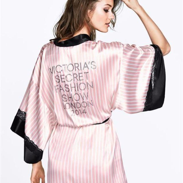 Victoria's Secret Fashion Show Robe - FREE SHIPPING (LIMITED EDITION)