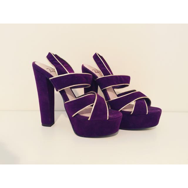 ZU Heels! Size 5