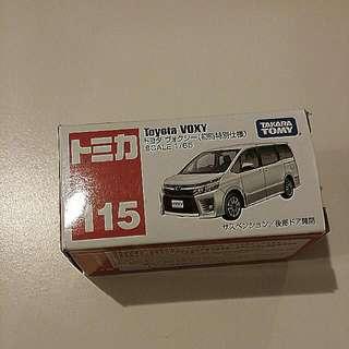 Tomica #115 Toyota Voxy (takara tomy)