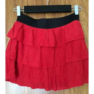 REDUCED - WAS $15, NOW $1 - GUESS RED SKIRT - SIZE SMALL - ALMOST NEW!