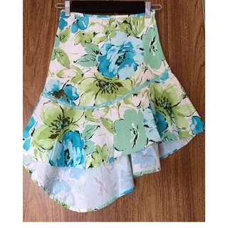 SALSA STYLE SUMMER SKIRT - BEAUTIFUL FLOWER PRINT - SIZE MEDIUM