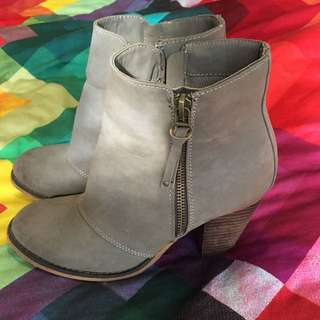 Therapy Heeled Boots