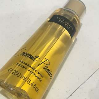 Victoria's Secret Fragrance Mist (Coconut Passion)